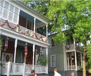 Arbor House Inn and Suites Bed and Breakfast - San Antonio, TX (210) 472-2005