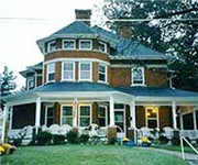 Photo of Maxwell House Bed & Breakfast - Mount Airy, NC